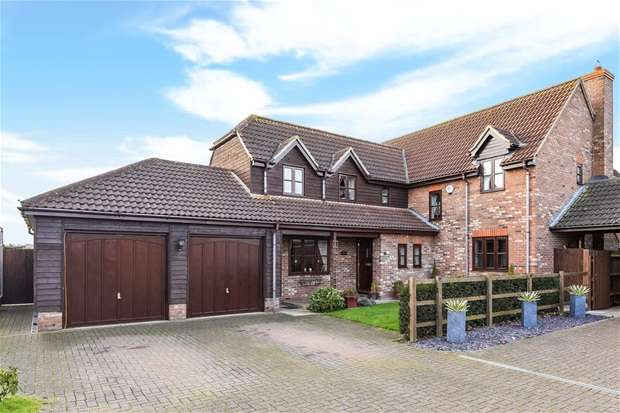5 Bedrooms Detached House for sale in Bedford Road, Willington