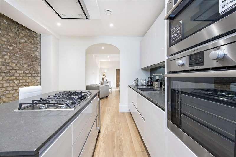 1 Bedroom Flat for sale in Crown Lane, Farnham Royal, Buckinghamshire, SL2