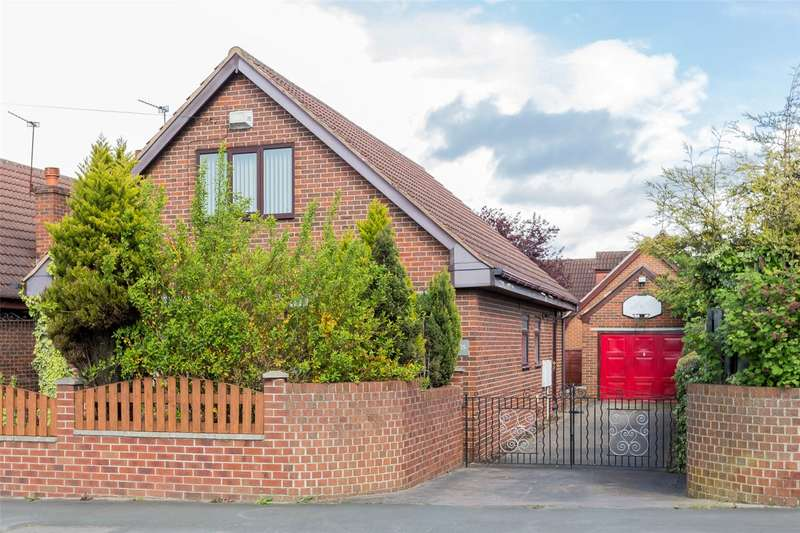 3 Bedrooms Detached House for sale in Emley Drive, Doncaster, DN5