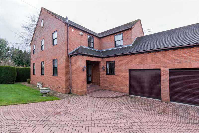 4 Bedrooms Detached House for sale in Bawtry Road, Doncaster, DN4