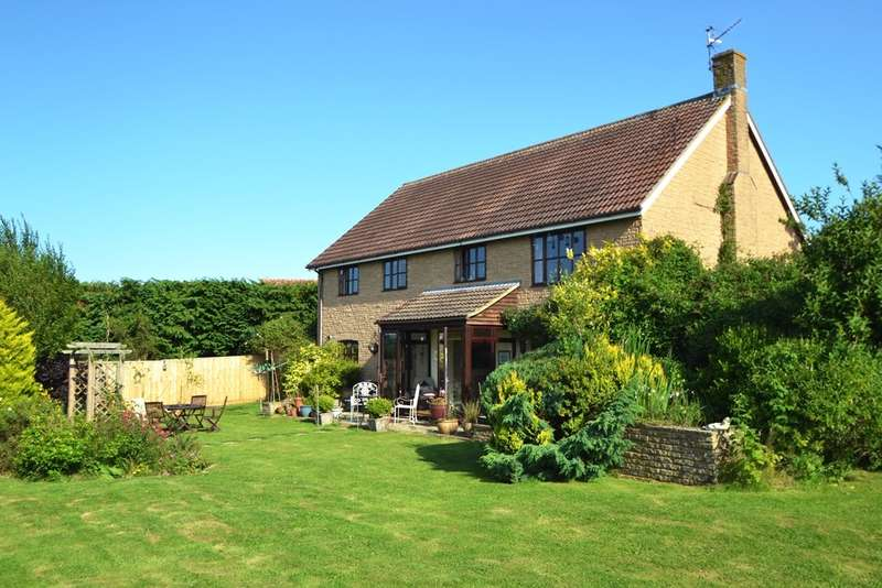 4 Bedrooms Detached House for sale in Bridport
