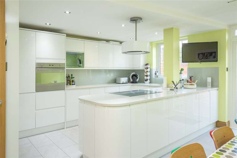 4 Bedrooms House for sale in Charnwood Place, Whetstone, London, N20