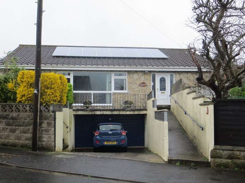 4 Bedrooms Detached Bungalow for sale in Lawrence Close, Worle, Weston-Super-Mare
