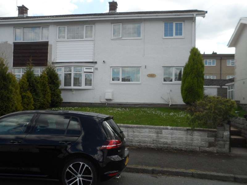 2 Bedrooms Semi Detached House for sale in Dolfain, Ystradgynlais, Swansea