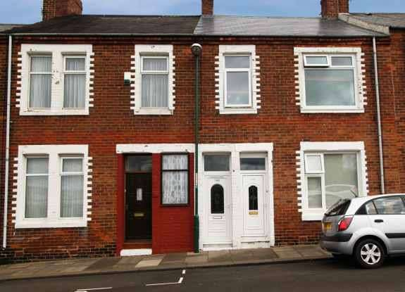 2 Bedrooms Maisonette Flat for sale in Roman Road, South Shields, Tyne And Wear, NE33 2AX