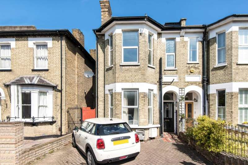 2 Bedrooms Flat for sale in Richmond Park Road, Kingston upon Thames KT2