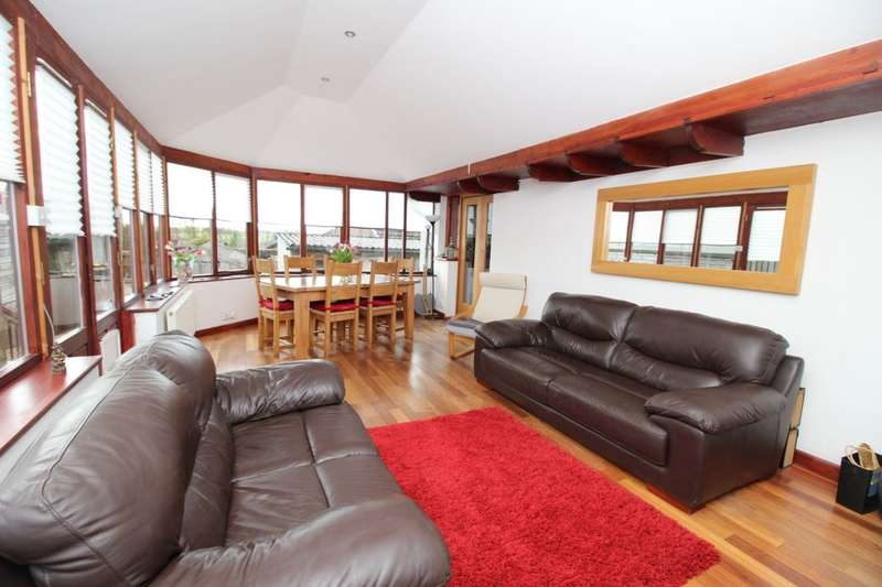3 Bedrooms Detached Bungalow for sale in Jamesfield, Scotlandwell, Kinross, KY13