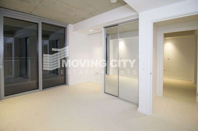 2 Bedrooms Flat for sale in Hoola, West Tower, Docklands, E16
