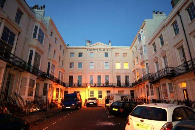 2 Bedrooms Flat for sale in Belgrave Place, Kemp Town, BN2