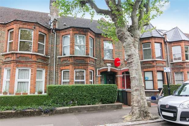 2 Bedrooms Flat for sale in Edward Road, Walthamstow, London