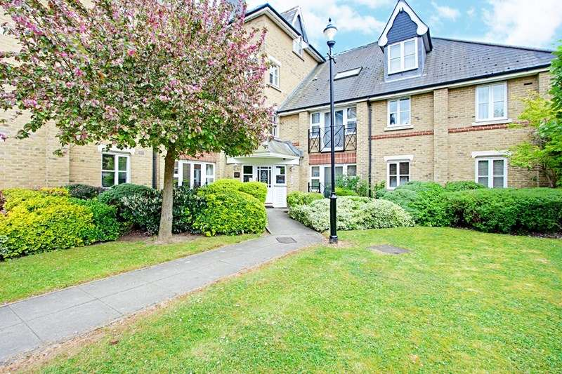 1 Bedroom Property for sale in Chase Side Crescent, Enfield