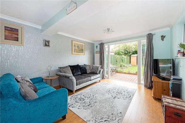 3 Bedrooms Detached House for sale in Calluna Drive, Copthorne, Crawley, West Sussex