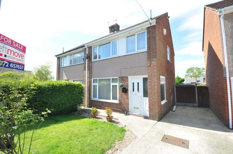 3 Bedrooms Semi Detached House for sale in Lowfield Close, Newton, Preston, Lancashire, PR4 3SY