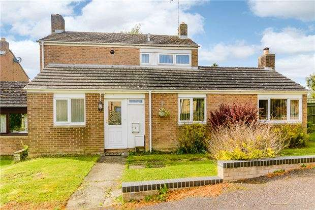 3 Bedrooms Semi Detached House for sale in Rochester Place, Charlbury, Oxfordshire