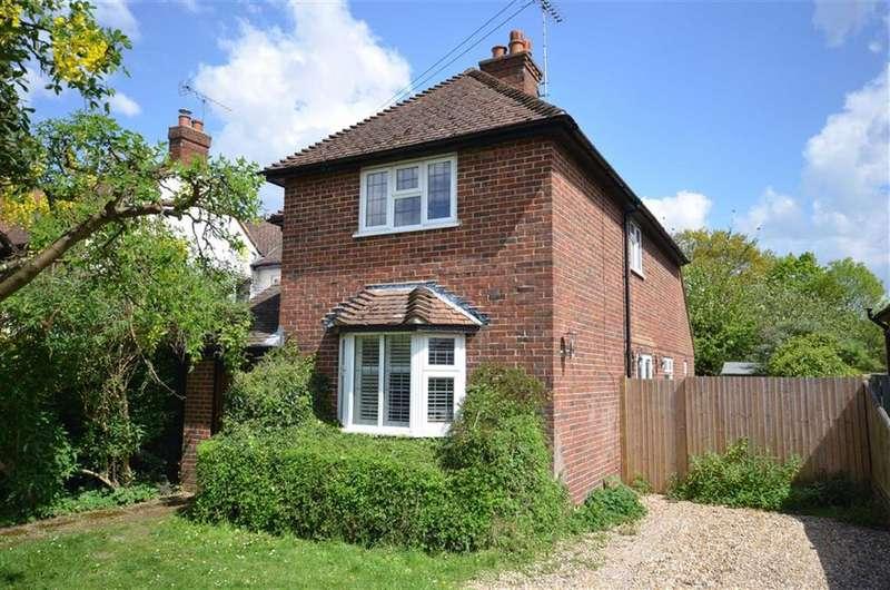 4 Bedrooms Property for sale in Shortheath Crest, Farnham