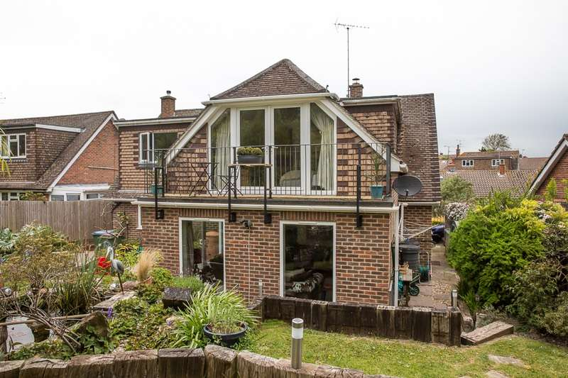 4 Bedrooms Detached House for sale in Penlands Vale, Steyning, West Sussex, BN44
