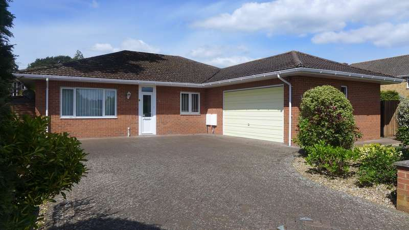 3 Bedrooms Detached Bungalow for sale in FERNDOWN