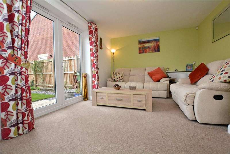 4 Bedrooms Detached House for sale in Round Hill Road, Pudsey, West Yorkshire