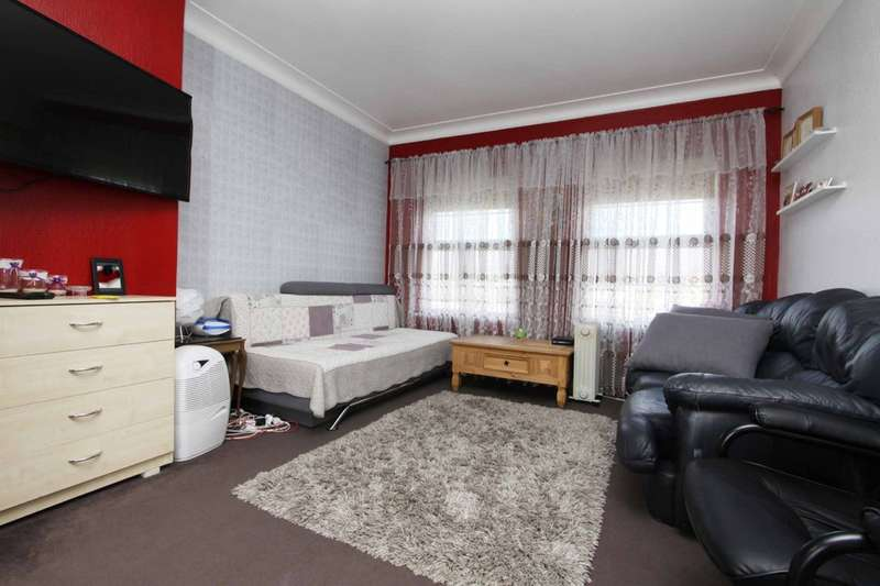 2 Bedrooms Flat for sale in Kenton Road, Harrow