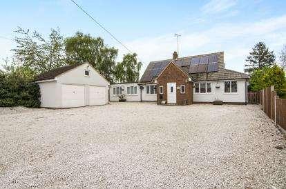 4 Bedrooms Bungalow for sale in Black Notley, Braintree, Essex