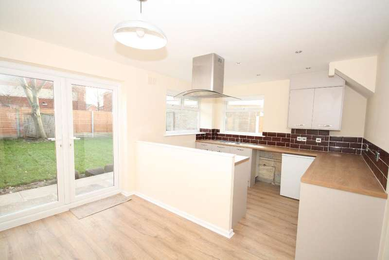 3 Bedrooms Semi Detached House for sale in Coyford Drive, Southport, Merseyside, PR9 9GN