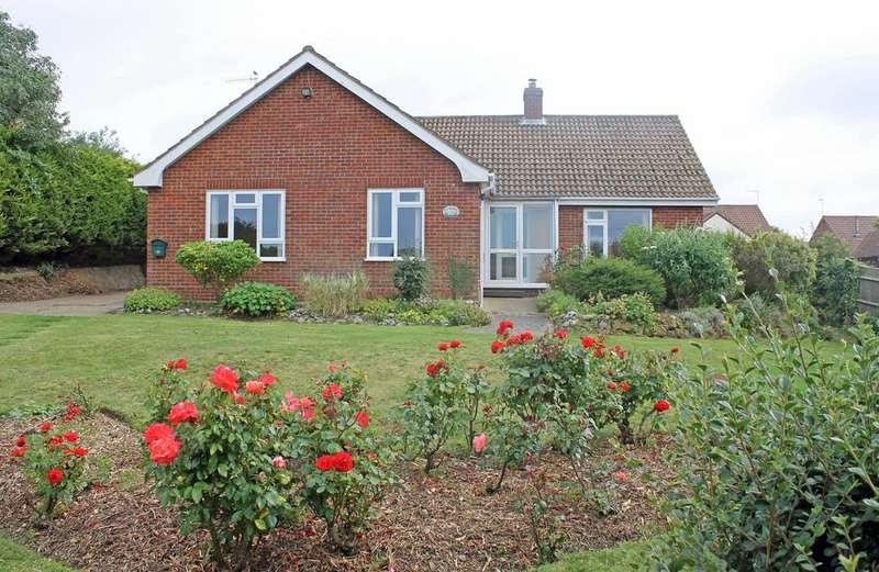 3 Bedrooms Detached Bungalow for sale in Silverdale, Britons Lane, Beeston Regis NR26