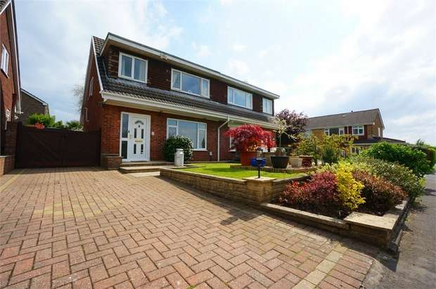 3 Bedrooms Semi Detached House for sale in Ruskin Avenue, Rogerstone, NEWPORT