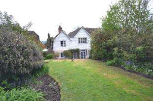 2 Bedrooms Terraced House for sale in Churchyard Cottage, Barden Road, Speldhurst, .