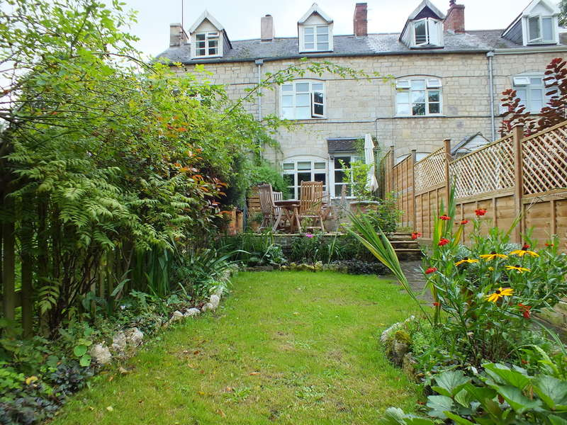 2 Bedrooms Terraced House for sale in Slad