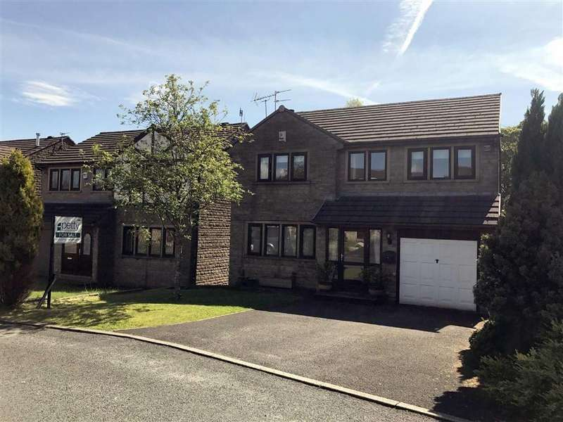 3 Bedrooms Detached House for sale in Holden Close, Barrowford, Lancashire