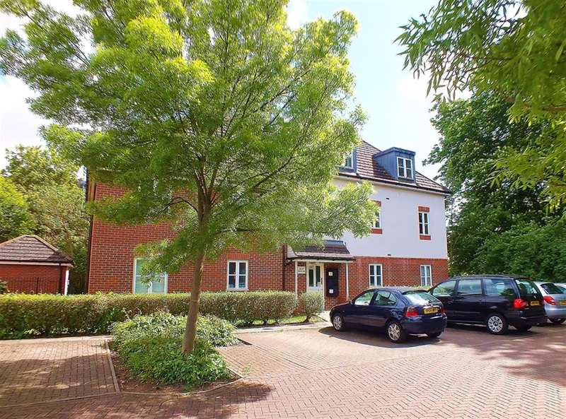 1 Bedroom Maisonette Flat for sale in Reid Close, Hayes, UB3 2DD