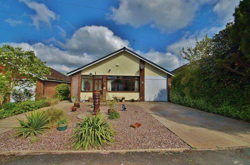 3 Bedrooms Detached Bungalow for sale in Springmount Drive, Parbold