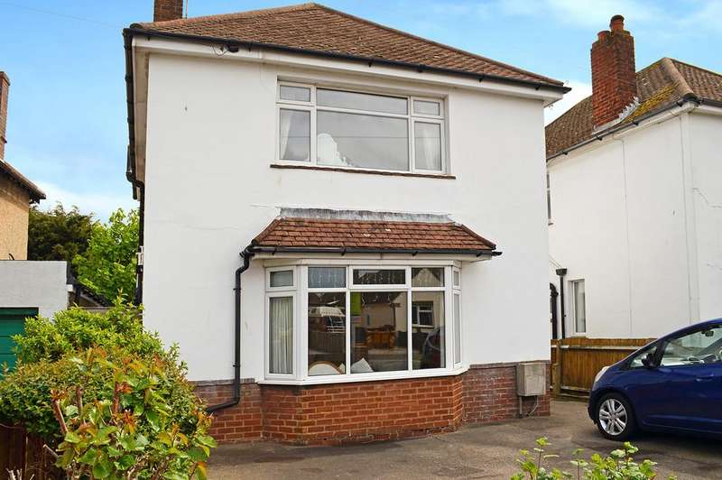 3 Bedrooms Detached House for sale in Balcombe Avenue Worthing