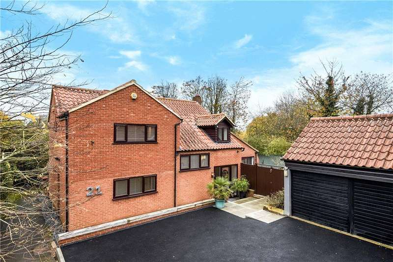 4 Bedrooms Detached House for sale in Kindleton, Great Linford, Milton Keynes, Buckinghamshire