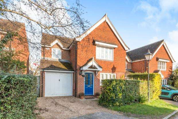 4 Bedrooms Detached House for sale in Wormley, Godalming, Surrey