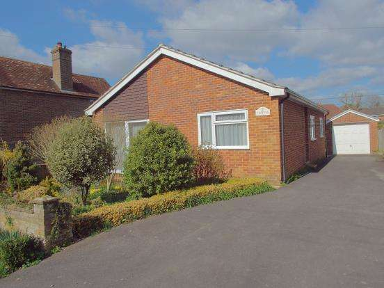 2 Bedrooms Bungalow for sale in Stedham, Midhurst, West Sussex