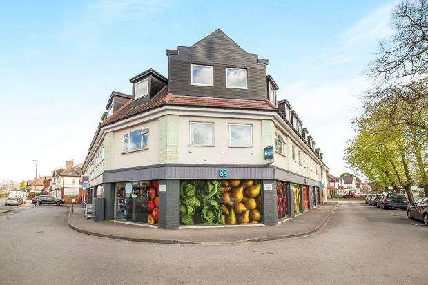 2 Bedrooms Flat for sale in 2 Brewery Lane, Byfleet, Surrey
