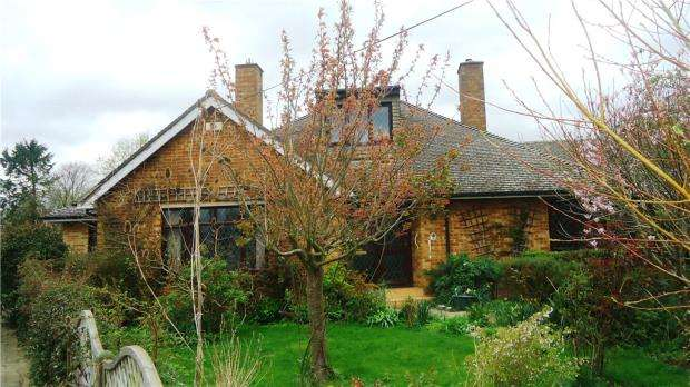 4 Bedrooms Detached House for sale in Kings Cottage, Sand Road, Great Gransden