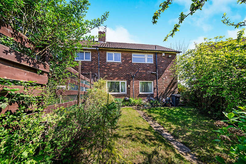 4 Bedrooms Semi Detached House for sale in Carrfield Avenue, Little Hulton, Manchester, M38