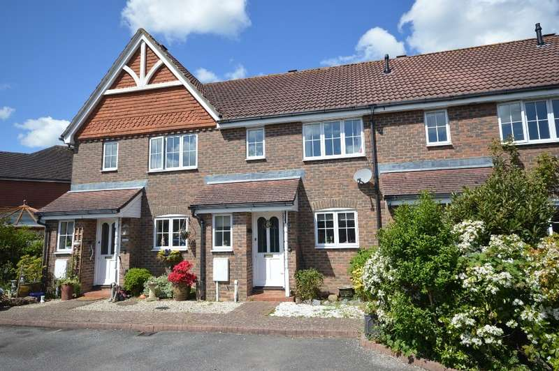 3 Bedrooms House for sale in The Willows, Amberley Road, Storrington, RH20