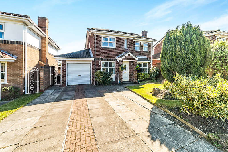 4 Bedrooms Detached House for sale in Moss Crescent, Ryton, NE40