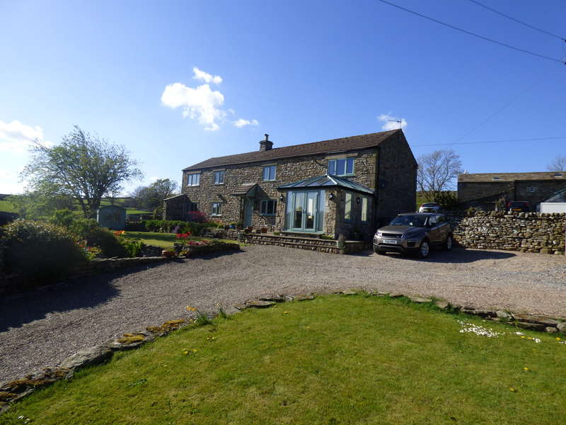 4 Bedrooms Detached House for sale in Garlands, Askrigg