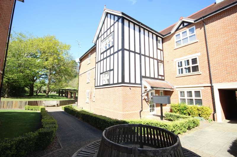 2 Bedrooms Ground Flat for sale in St. Johns Road, East Grinstead, RH19