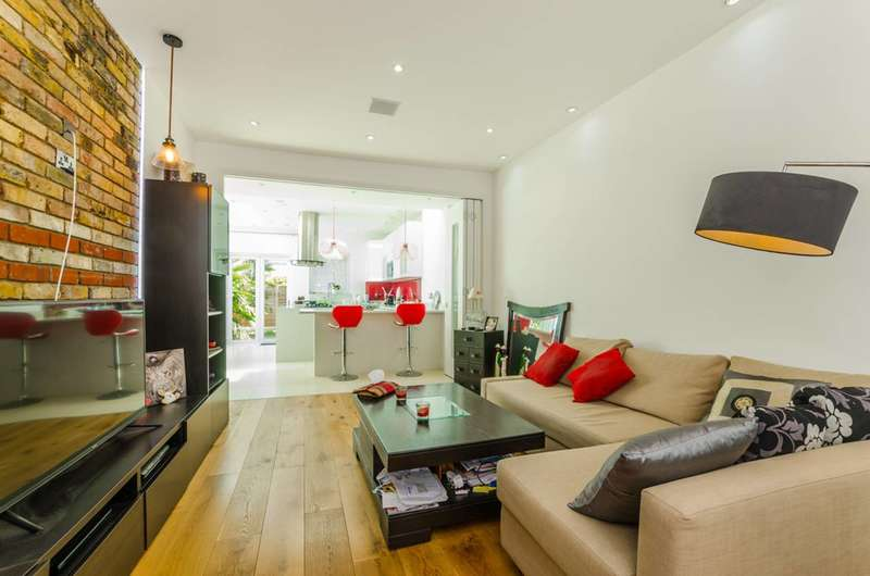 4 Bedrooms Terraced House for sale in Lincoln Road, Plaistow, E13