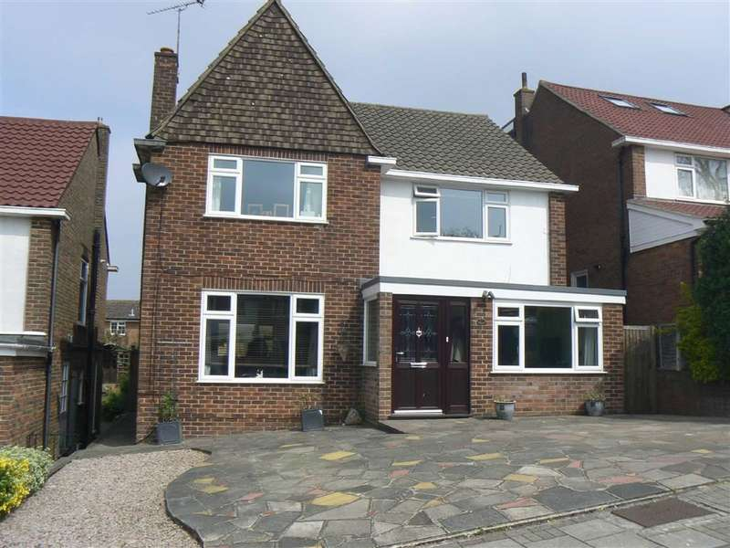 4 Bedrooms Property for sale in Green Farm Close, Green Street Green