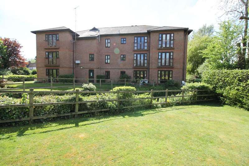2 Bedrooms Retirement Property for sale in town mill, overton rg25