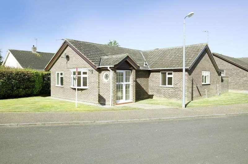 3 Bedrooms Detached Bungalow for sale in Park Close, Hethersett