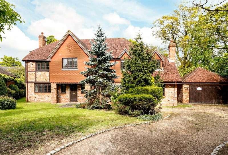 5 Bedrooms Detached House for sale in Turnoak Park, Windsor, Berkshire, SL4