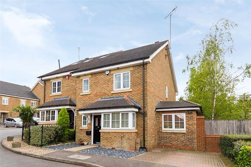3 Bedrooms Semi Detached House for sale in Hoopers Mews, School Lane, Bushey, WD23