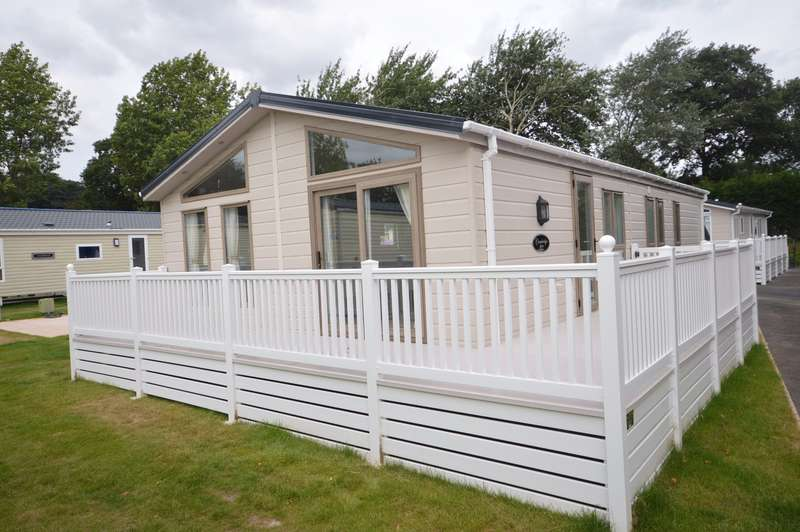 3 Bedrooms Park Home Mobile Home